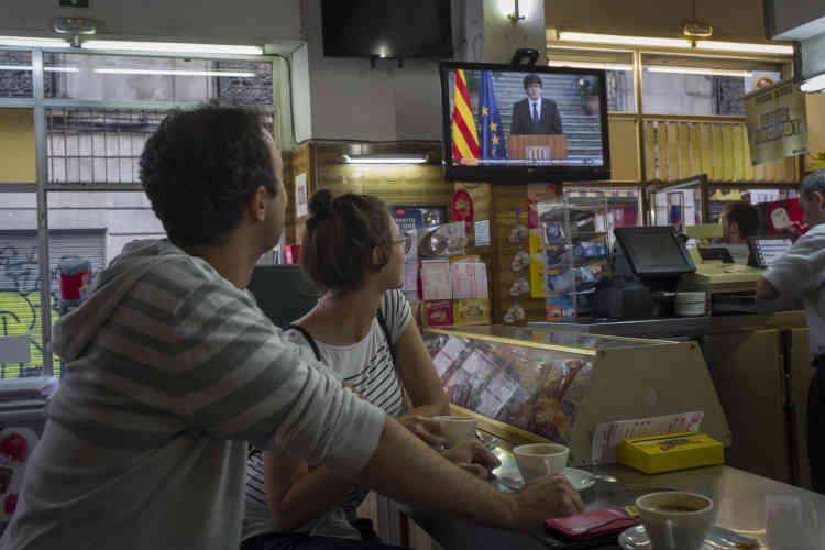 Le 28 octobre, Carlos Puigdemont intervient à la télévision catalane TV3, pour appeler les Catalans à la résistance pacifique.