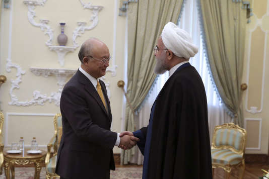 Le directeur général del'Agence internationale de l'énergie atomique,Yukiya Amano, a rencontré le président iranien, Hassan Rohani, à Téhéran, le 29 octobre 2017.