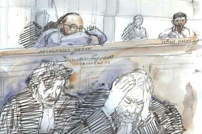 Dessin d'audience, le 30 octobre au Palais de justice de Paris, montrant Abdelkader Merahdans le box des accusés (à gauche), derrière son avocat Eric Dupond-Moretti, la tête dans les mains.