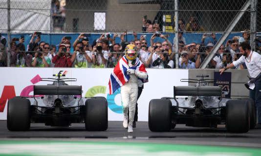Lewis Hamilton a remporté à Mexico le quatrième titre de sa carrière.