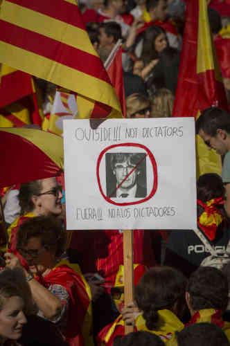 Le 29 octobre, les unionsites manifestent une nouvelle fois en criant«Puigdemont en prison!»