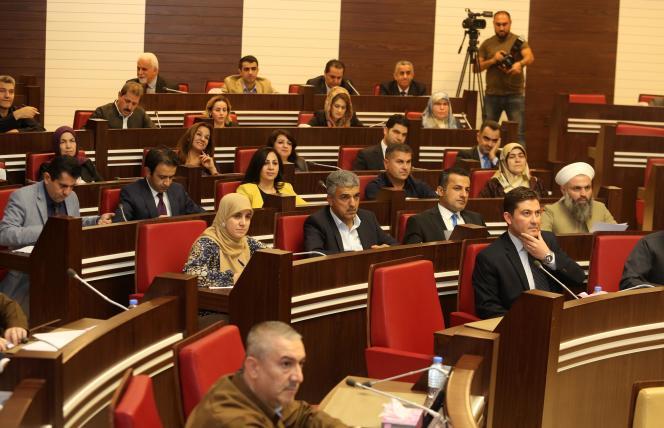 Le Parlement régional kurde en session, à Erbil, le 29 octobre.