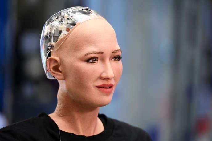 Le robot Sophia a été créé à Hongkong par la société américaine Hanson Robotics.