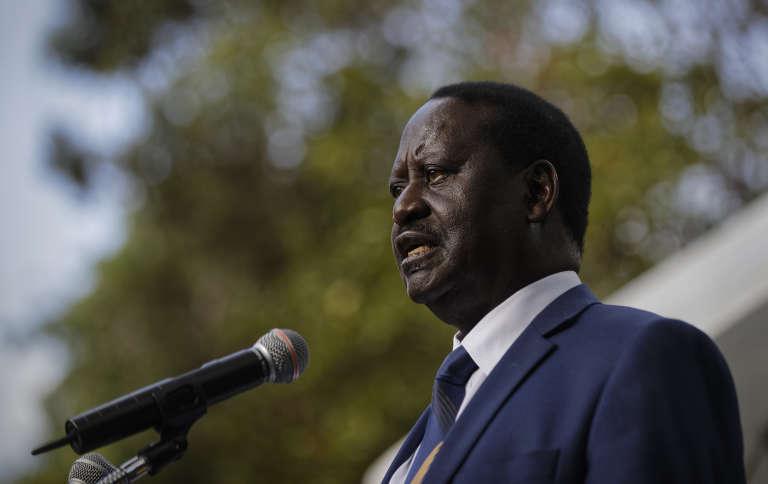 Lors du scrutin du 26 octobre, M. Kenyatta, 56 ans, a réuni sur son nom 7,483 millions de voix, soit 98,26 % des suffrages, contre 73 228 à M. Odinga, 72 ans (soit 0,96 %).
