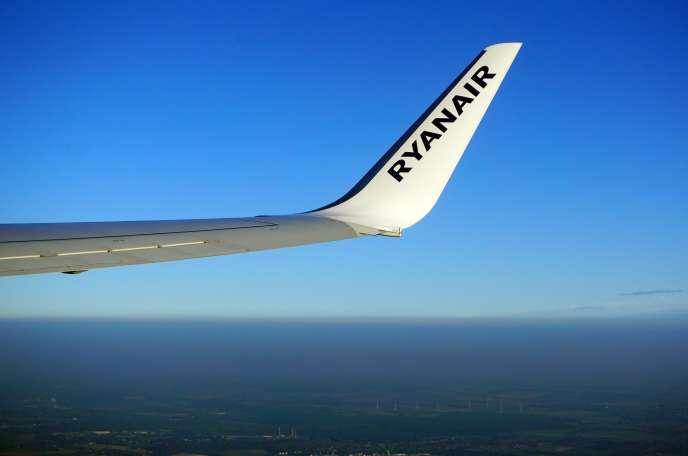 La compagnie aérienne irlandaise Ryanair affiche un bénéfice netde 1,1 milliard d'euros au premier semestre 2017, selon les résultats annoncés mardi 31 octobre.