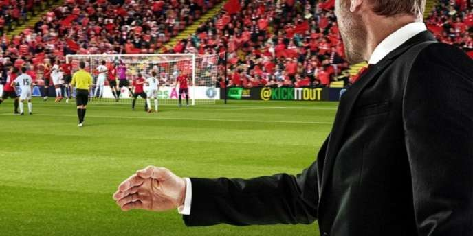 Dans «Football Manager 2018», le coming out d'un joueur de son équipe est présenté comme un événement positif.