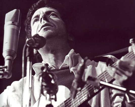 Leonard Cohen en concert.