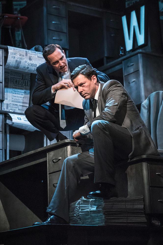 «Ink » fait salle comble à Londres depuis le mois de juin. Ici Bertie Carvel (à g.) dans le rôle de Rupert Murdoch, et Richard Coyle dans celui du rédacteur en chef Larry Lamb.