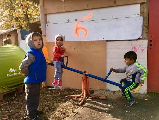 Depuis le 30 septembre, Colixon et une cinquantaine de Roms dont plusieurs enfants, ont investi un terrain municipal d'Argenteuil.