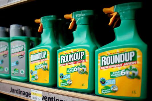 Le pesticide« Roundup»en vente dans un magasin de Bonneuil-Sur-Marne, près de Paris, le 16 juin 2015.