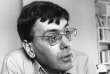 Didier Motchane, l'un des fondateurs du Centre d'études, de recherches et d'éducation socialiste (CERES), photographié chez lui, à Paris, le 6 juillet 1977.