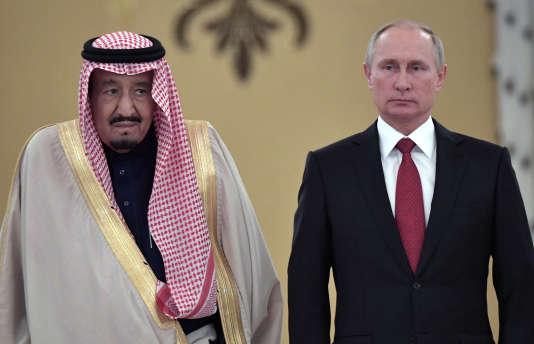 Vladimir Poutine et le roi Salman d'Arabie saoudite, lors de la visite d'Etat de ce dernier à Moscou en octobre dernier.