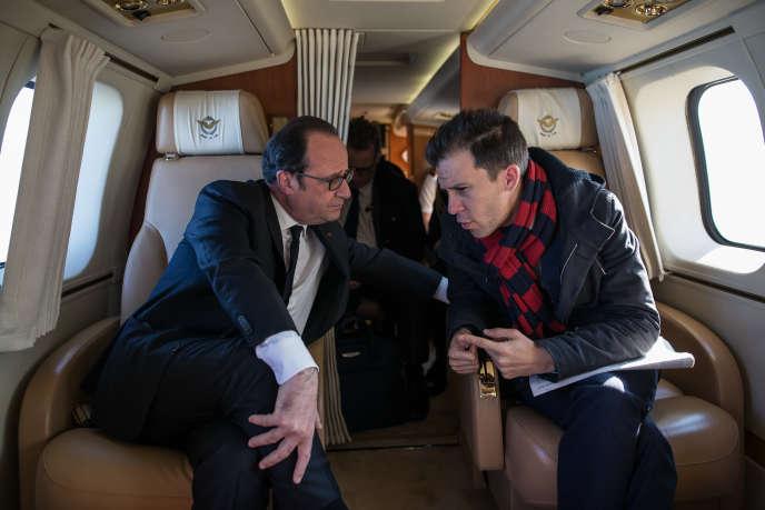 François Hollande et son ancien conseiller en communication, Gaspard Gantzer, le 7 avril.