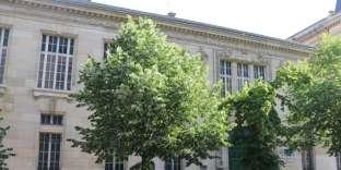 Facade de l'l'Ecole supérieure de commerce de Paris.