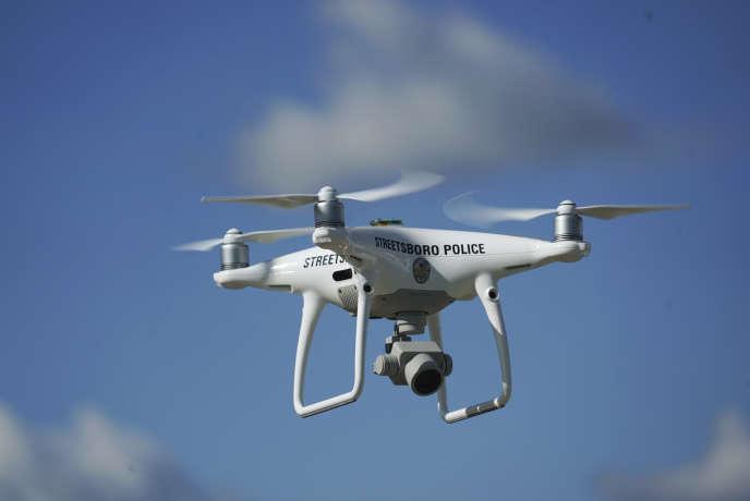 Facile à piloter, discret et capable de réaliser des photos très précises, un simple drone est un outil d'observation très efficace.