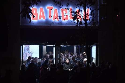 Le Bataclan, le 12novembre 2016, après le concert de Sting, le premier événement après sa réouverture.