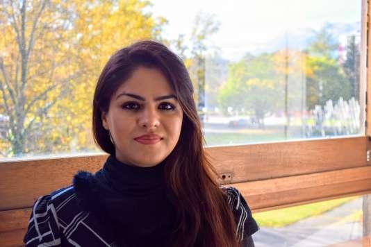 Shakila, Afghane de 29ans:«Bien sûr que je suis inquiète pour ma famille, mais ce sont les études qui m'aident à avancer.»