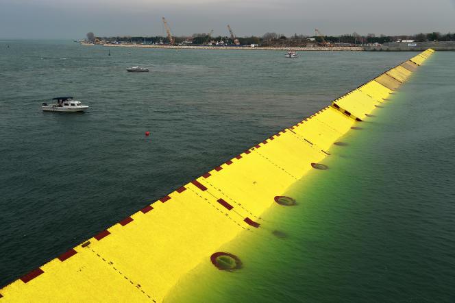 Les digues mobiles du projet MOSE, en novembre 2014, à Venise.