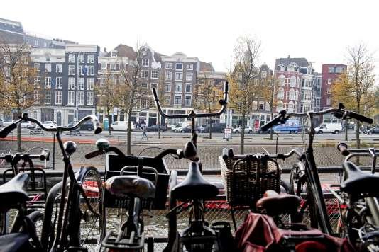Un parking à vélo à Amsterdam.