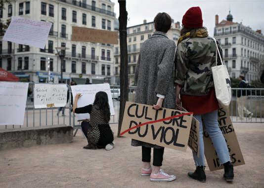 «Dans le cadre de mon travail, j'ai recueilli la parole de femmes qui ont été sexuellement abusées par des imams qui prétendaient «réaliser» une rokya sur elles» (Manifestation, à Lyon, le 29 octobre).