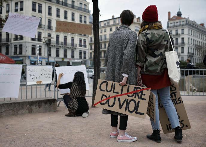 Lors d'un rassemblement contre les violences sexuelles à Lyon.