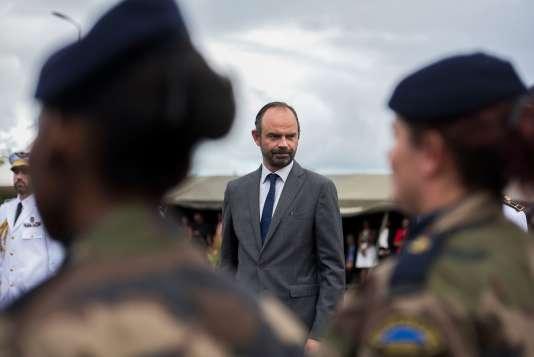 Edouard Philippe a félicitéle régiment du service militaire adapté de Martinique (RSMA), à labase militaire du Lamentin.