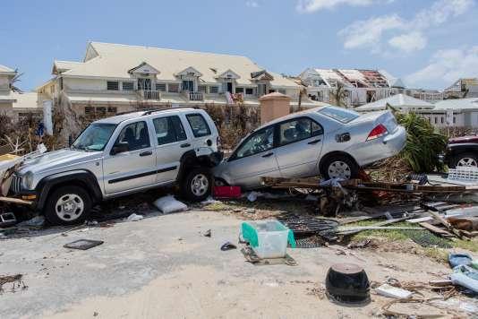 A Saint-Martin, au moins 4 800 voitures ont été déclarées sinistrées après l'ouragan Irma.