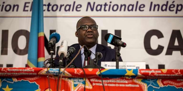 Le président de la Commission électorale, Corneille Nangaa, annonçant, le 5 novembre 2017 à Kinshasa, que les scrutins présidentiel, législatif et provincial en RDC se tiendront le 23 décembre 2018.