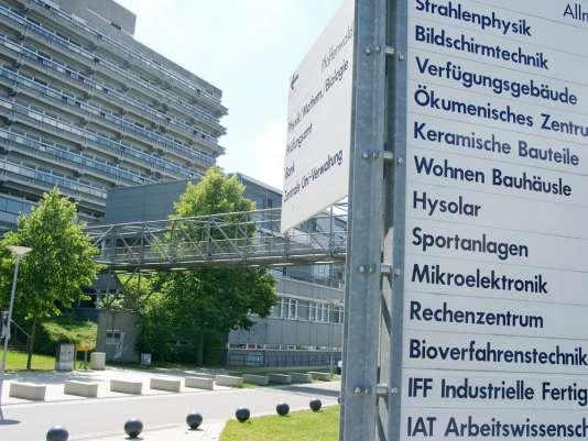 L'université de Stuttgart, proche des constructeurs de machines du Bade-Wurtemberg, propose dans son parcours de bachelor et master six spécialités d'ingénierie environnementale, de la gestion de l'eau à celle des gaz d'échappement.