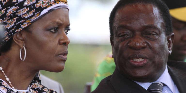 L'épouse du président zimbabwéen Grace Mugabe avec le vice-président Emmerson Mnangagwa à Harare, le 10 février 2016.