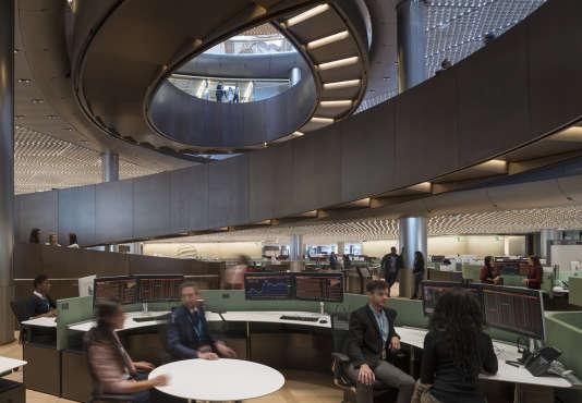 « Michael Bloomberg a une obsession : l'« open plan », pour mettre tout le monde ensemble« . (Photo :Le nouveau siège européen de Bloomberg, Queen Victoria Street, à Londres, situé entre la Bank of England et la cathédrale Saint-Paul).