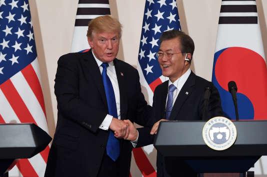 Donald Trump et le président sud-coréen Moon Jae-In le 7 novembre à Séoul.