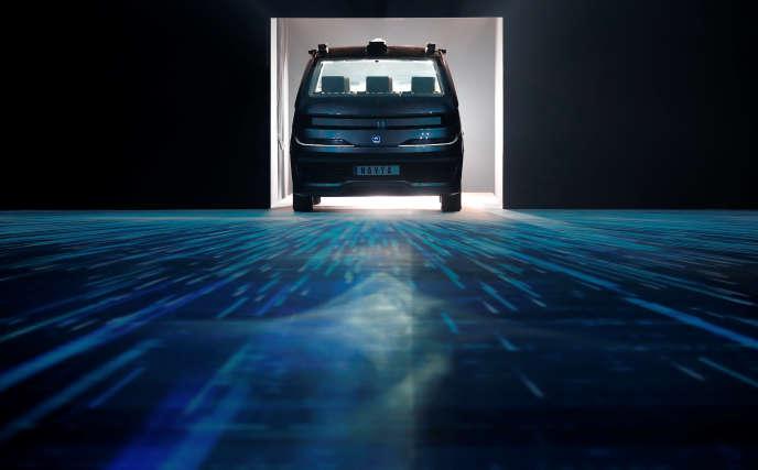 « L'intelligence artificielle guidant le véhicule autonome ne demandant pas de salaire, le prix de la course sera alors plus faible que pour un taxi humain »(Présentation de l'Autonom Cab, le 7 novembre, à Saint-Denis, en Seine-Saint-Denis).