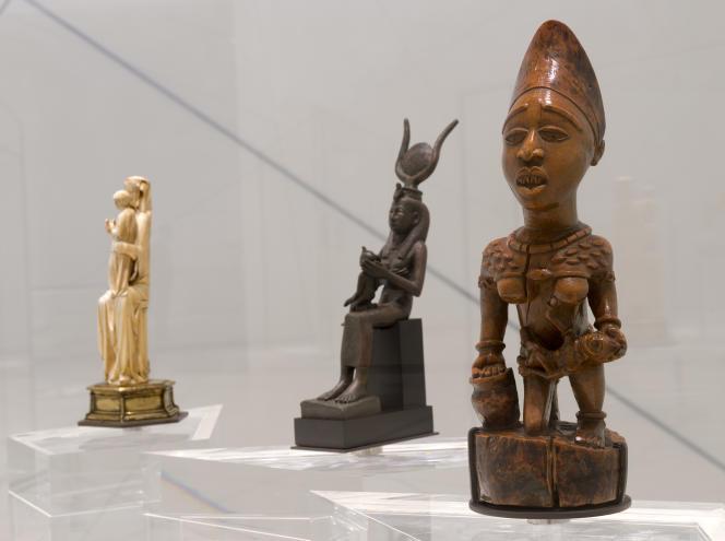 De gauche à droite: «Vierge à l'enfant» (France); «Iris allaitant son fils» (Egypte) et une maternité yombe (Congo).