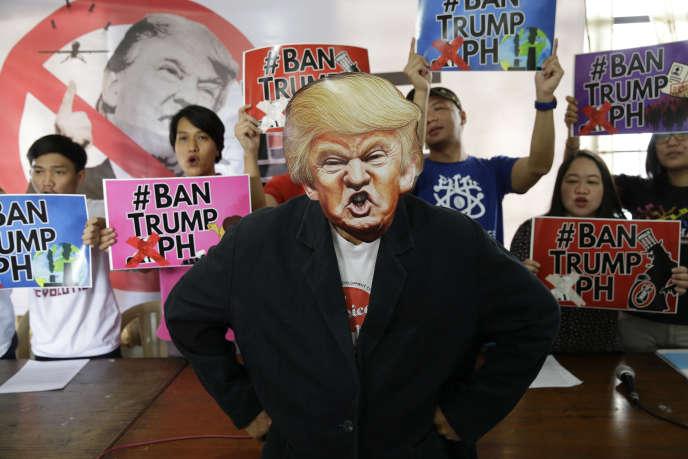 Il y a un an, Donald Trump battait la candidate démocrate, Hillary Clinton, et devenait le 45eprésident américain.