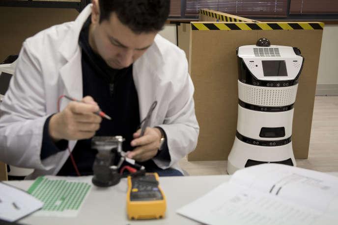 L'entreprise Partnering Robotics, créatrice du robot Diya One X, qui analyse et filtre l'air, installée à Cergy (Val-d'Oise).