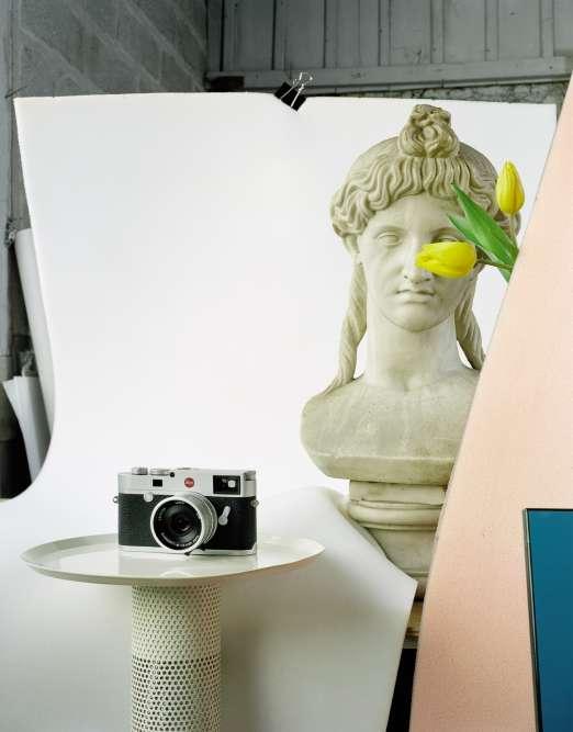 Appareil photo numérique M10, Leica.Lampe stèle, Remix Gallery.