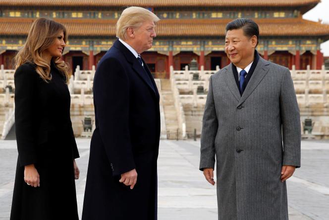 le président Donald Trump et Melania Trump visitant la Cité interdite, avec le président Xi Jinping, le 8novembre 2017.