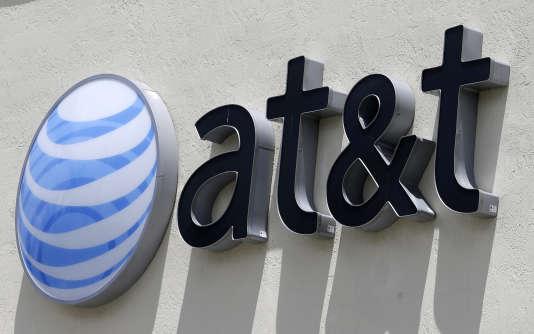 AT&T et Time Warner prévoyaient jusqu'ici de finaliser leur rapprochement d'ici à la fin de l'année, espérant obtenir sans difficulté le feu vert des autorités de la concurrence.