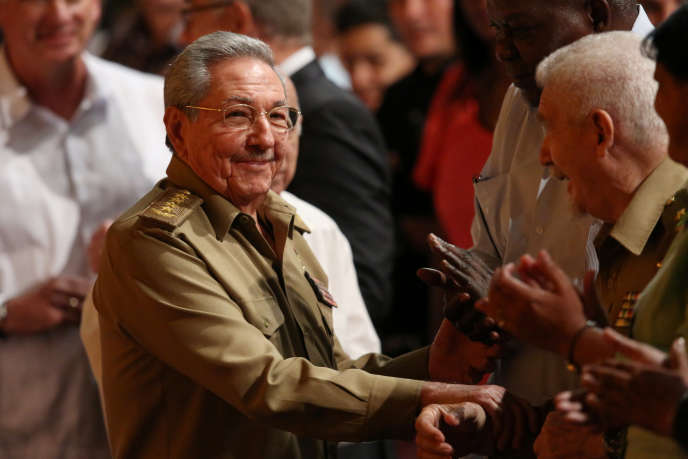 «Il n'empêche que le parti unique reste un marqueur des totalitarismes du XXesiècle»(Photo: Raul Castro à La Havane pour les commémorations du centenaire de la Révolution d'Octobre, le 7 novembre).