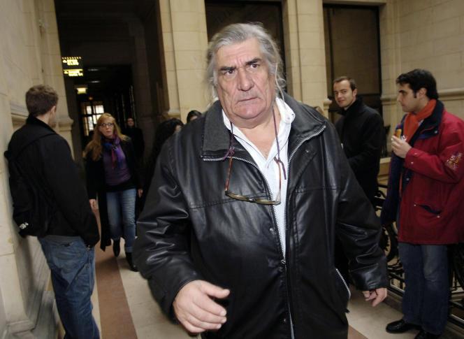 Jean-Claude Brisseau au Palais de justice de Paris,le 15 décembre 2005.