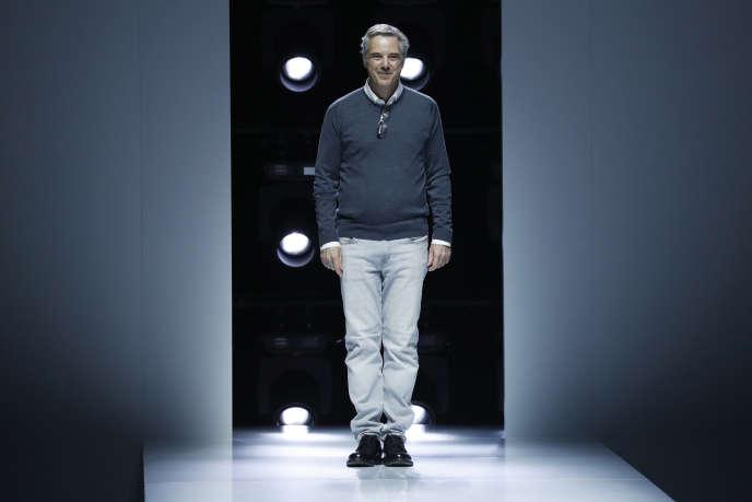 Olivier Lapidus, directeur artistique de Lanvin depuis le mois de juillet 2017.Ici, le 27 septembre, lors de la présentation de la collection du printemps-été 2018 de prêt-à-porter féminin.