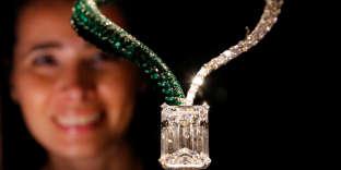 « The Art of Grisogono», un collier vendu aux enchères pour près de 34 millions de dollars.