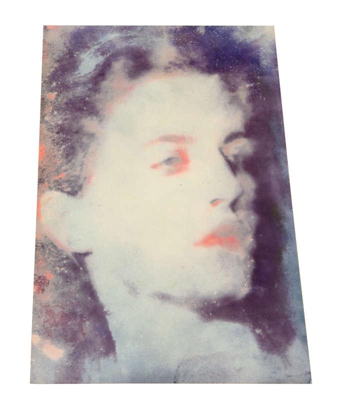 Portrait de Jacqueline Godard par Man Ray.