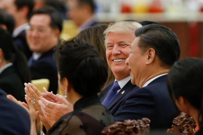 L'Asie est le continent qui tire la croissance mondiale et le lieu d'une lutte d'influence entre deux géants, les Etats-Unis et la Chine. Ici, le président Donald Trump avec son homologue chinois, XiJinping, jeudi 9novembre, à Pékin.