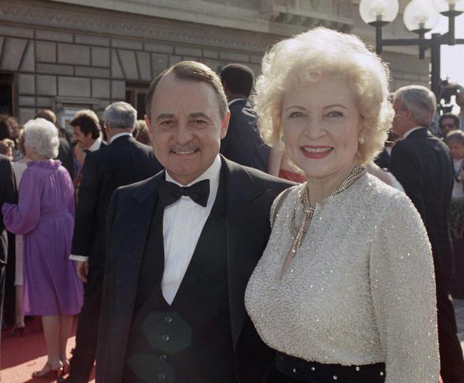 John Hillerman avait commencé sa carrière au théâtre avant d'être repéré par le réalisateur Peter Bogdanovich qui l'a filmé dans «La Dernière Séance» et «On s'fait la valise, docteur?» au début des années 1970.