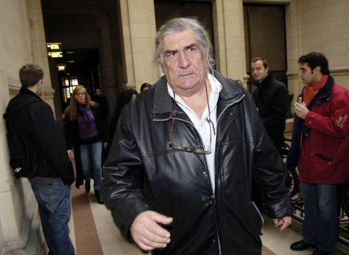 Le réalisateur Jean-Claude Brisseau, au Palais de justice de Paris, le 15 décembre 2005.