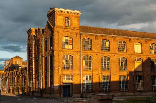 Le village numérique KM0 prendra ses quartiers dans des bâtiments de l'usine désaffectée de la société Alsacienne de construction mécanique (SACM). Ancienne gloire de la cité mulhousienne, la SACM a donné naissance à Alcatel et Alstom.