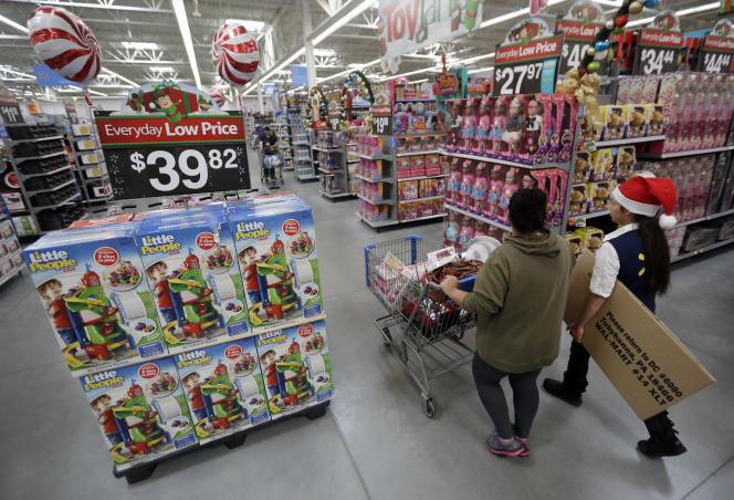 Un magasin Walmart de Teterboro (New Jersey) se prépare au Black Friday, en octobre 2016.