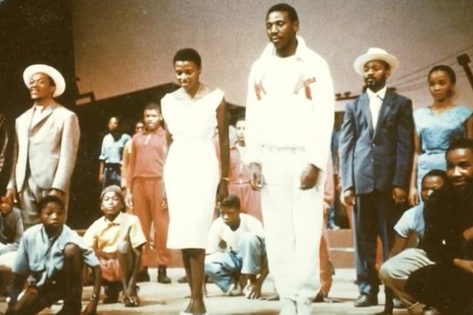 Ecrite par des Blancs et jouée par des Noirs, « King Kong » se démarquait de la politique raciale en vigueur en Afrique du Sud depuis 1948. Ici, le spectacle joué en 1959, avec la chanteuse Miriam Makeba (à g.).
